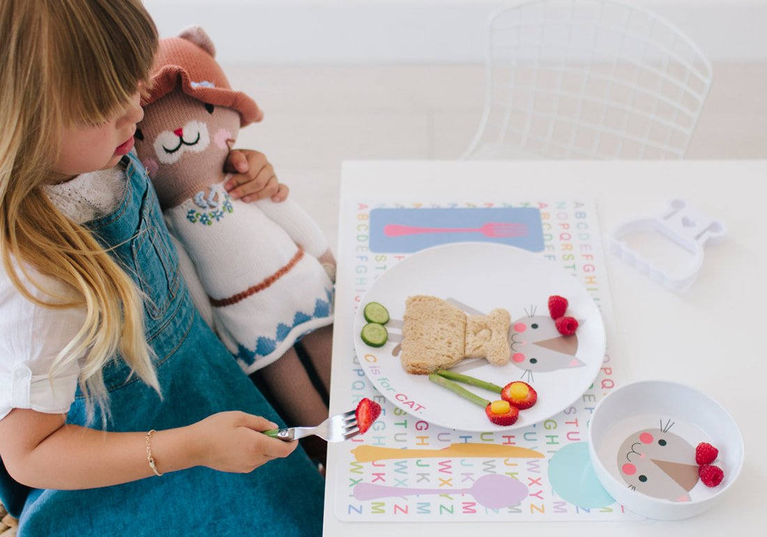 Dylbug LLC - Personalized kids dinner plates with with food cutters to make healthy eating fun. & Dylbug LLC - Personalized kids dinner plates with with food cutters ...